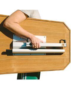 Retractable folding table leg