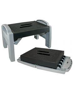 Extra-flat anti-slip folding step